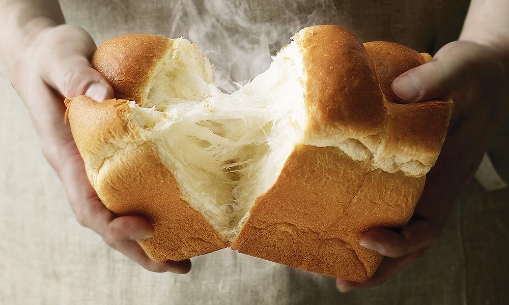 효모의 작용으로 발효된 빵